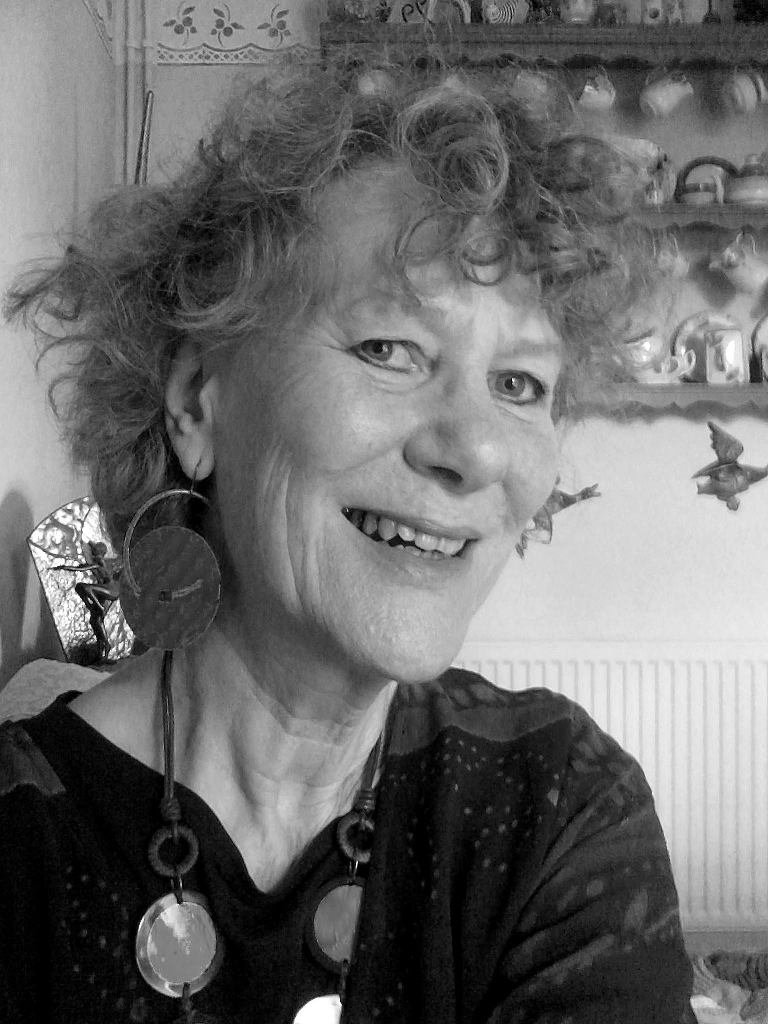 Author, Carolyn Belcher